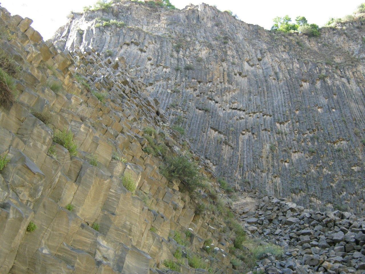 Базальтовые столбы в Армении