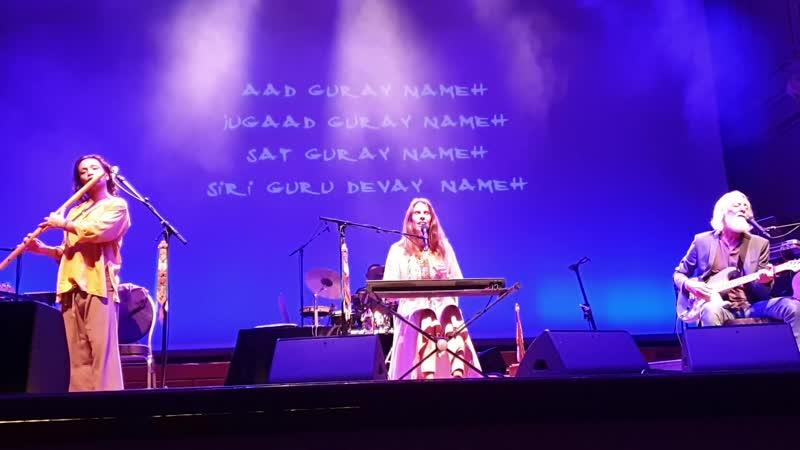 Deva Premal Miten - Aad Guray (Hamburg 2019) Germany