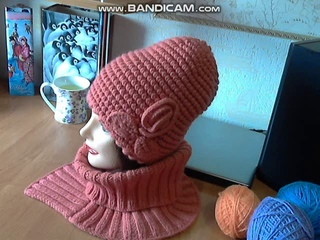 Объемный, рельефный,  эффектный узор для теплой женской шапки