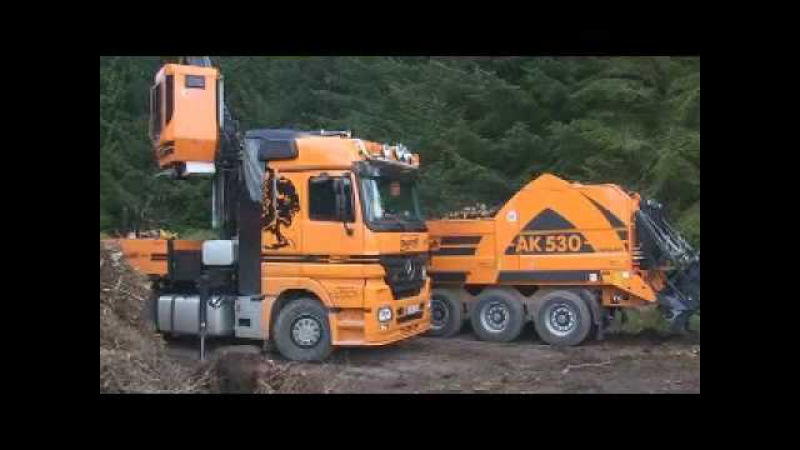 Doppstadt DW producing Biomass.mp4