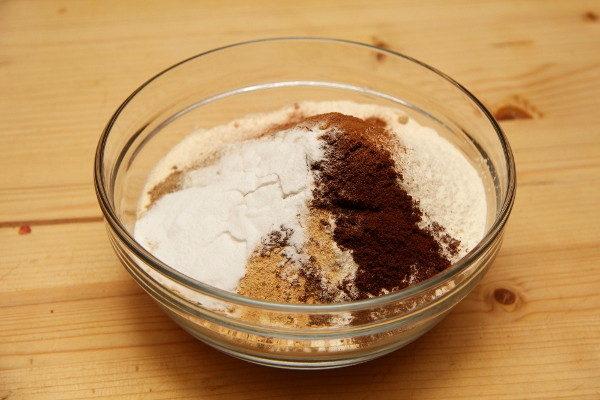 Домашние медовые пряники с белковой глазурью, изображение №7