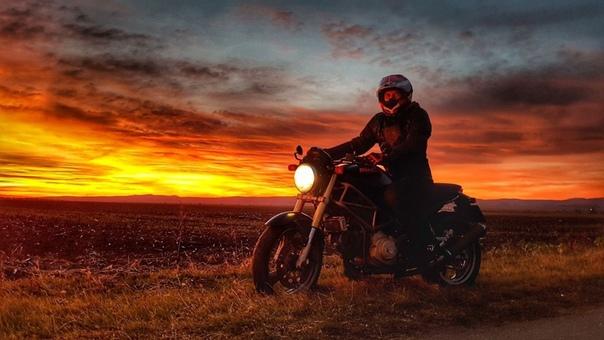 картинки мотоциклистов и закат куда универсальнее пикси