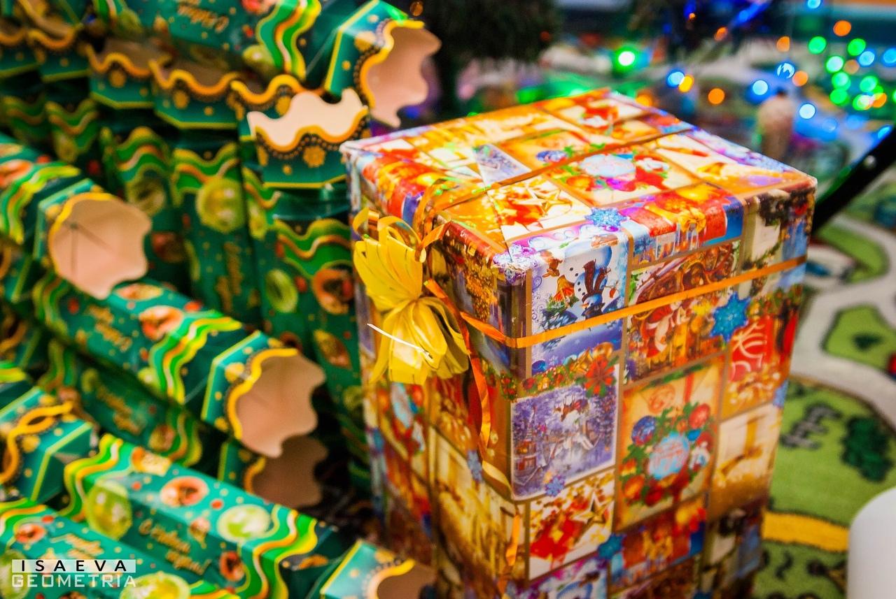 Поздравление с Новым годом для детей сирот Донецк
