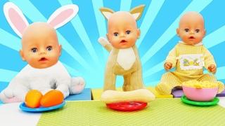 Spielzeug Video für Kinder. Baby Born Puppe und der Clown spielen. Spielspaß mit Puppen