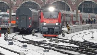 Электровоз ЭП20-038 со скорым двухэтажным поездом №738 Москва - Воронеж