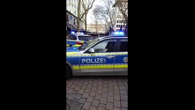 Nrw Großeinsatz der Polizei in Essen Mehrere