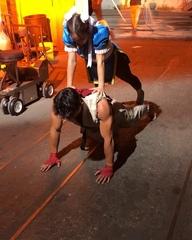 Рю отжимается с Чун Ли, чтобы навалять Рейнджерам в кроссовере