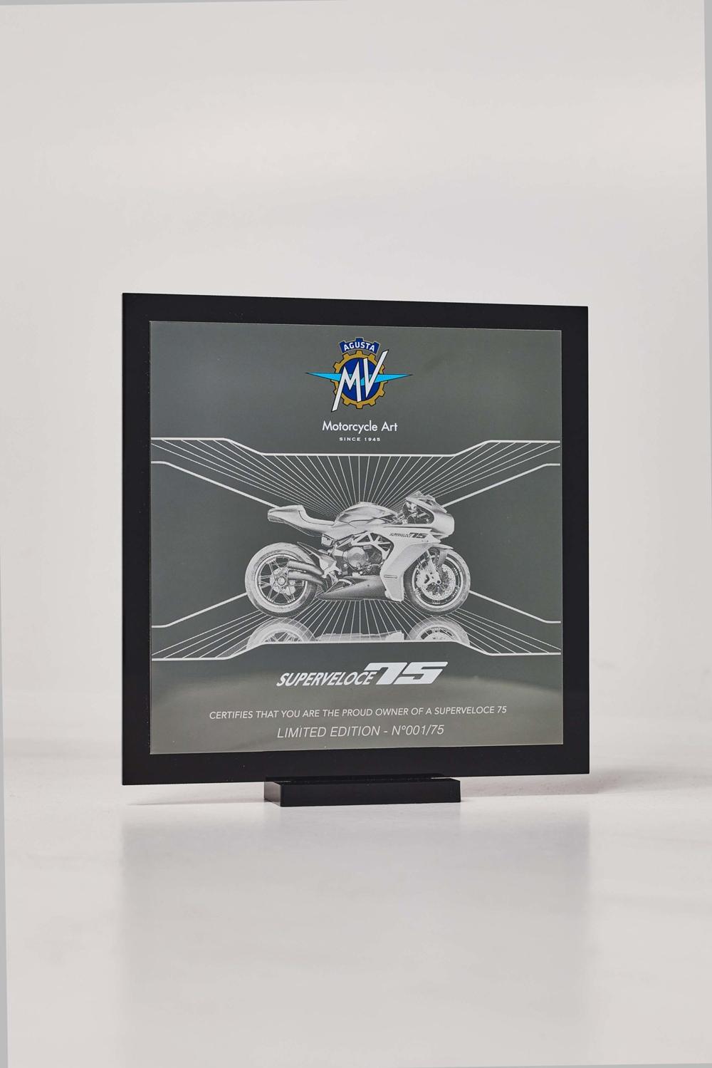 Мотоцикл MV Agusta Superveloce 75 Anniversario Limited