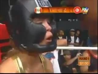 Peruvian tv show female boxing contest