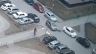 Мальчик на велике под машину попал. Real video