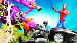 Joker ile oyun. Spiderman, Batman Batmobile içinde bomba fark ediyorlar! Süper Kahramanlar ile oyun