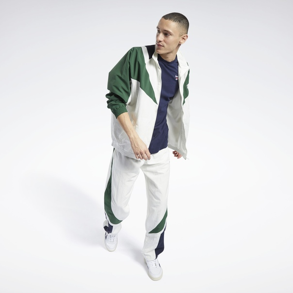 Спортивная куртка Classics Twin Vector image 2