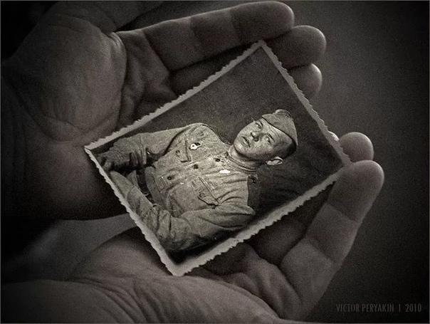 ВЕДРО ВОДЫ В мае 1944 года Клавдия Матвеева получила похоронку на сына Петра. Его гибель она еле пережила, ходила на завод, отрабатывала смену, как положено, а потом, вернувшись домой, ничком