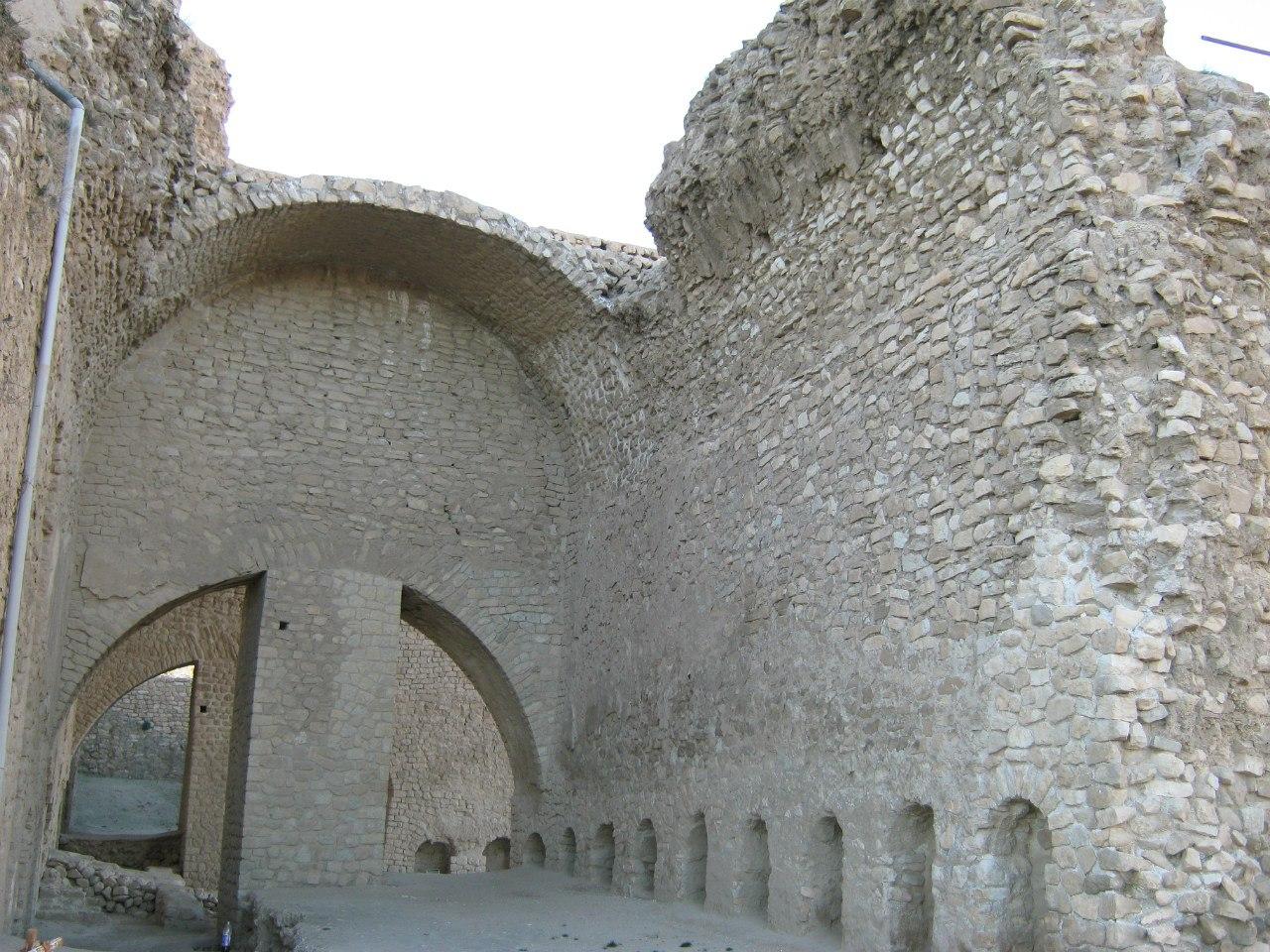 дворец в Фирузабаде