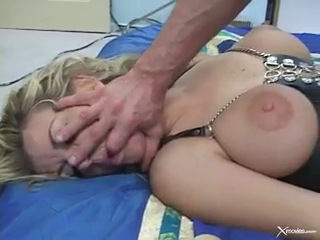 Live In Slave - Vicky Vette          видео загрузил ГИДПОПОПАМ