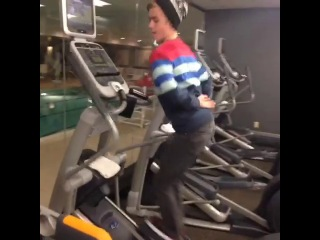 The air humper #nohands #treadmill
