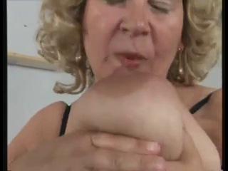 German BBW granny masturbates herself loudly - xHamster_com