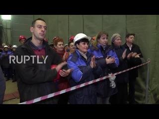 Россия: Киль церемония возложения отмечает строительство новой хитрость военный корабль.