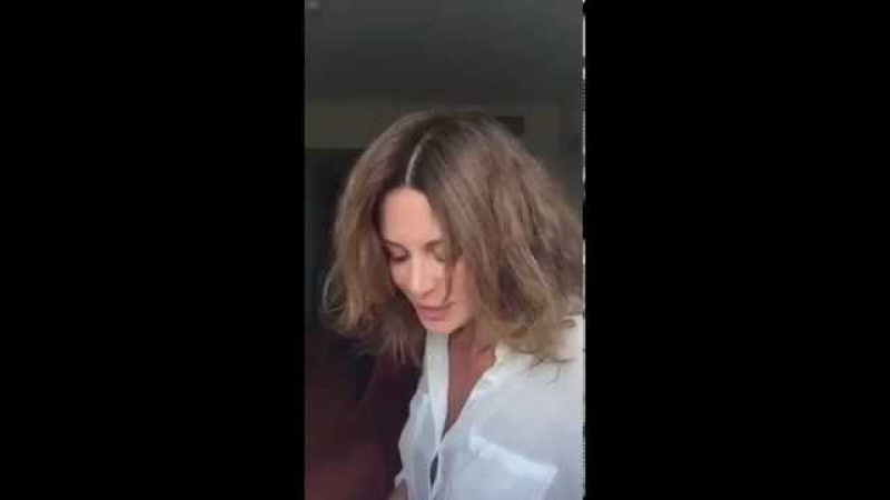 Оксана Фандера читает стихи Яшки Казановы из книги Бессердечная мускулатура