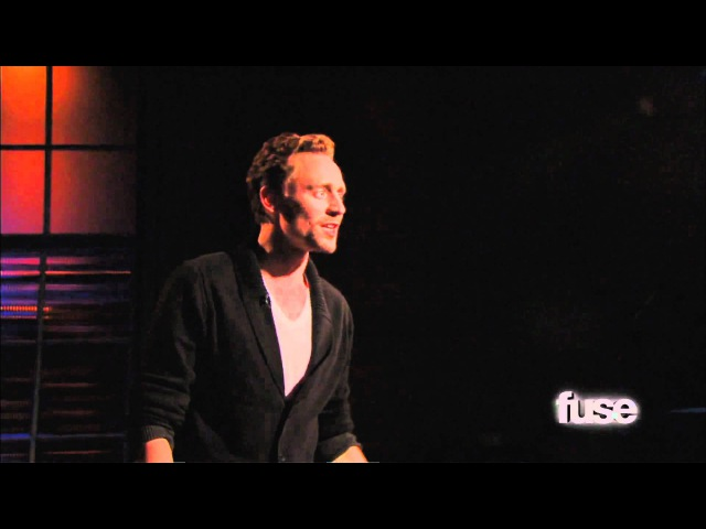 Tom Hiddleston Performs 'Henry V' Monologue Hoppus on Music Fuse