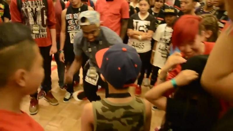 Малышка обломала чернокожего танцора -) Lil Di