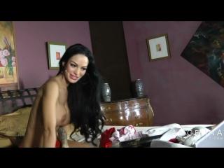 Красивая Брюнетка   Angelina Valentine