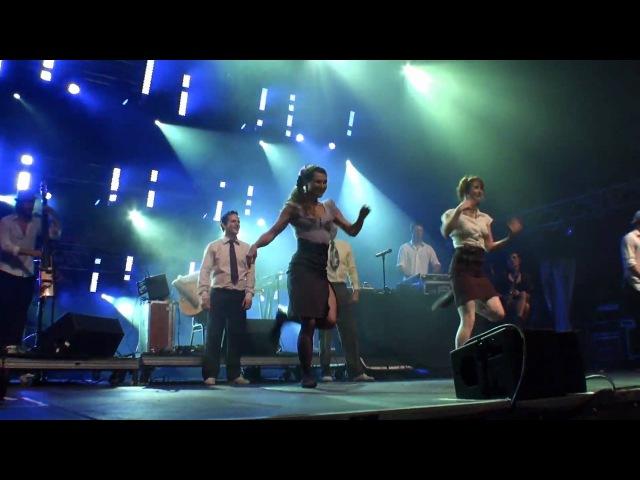 Les Ninjammerz du Studio 88 SWING avec Caravan Palace au Festival d'été de Québec