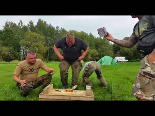 Немцы пробуют сюштрёммин (Surstroemming Challenge)