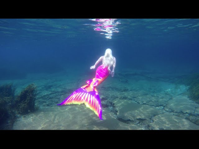 Living Underwater Real Life Mermaid Melissa