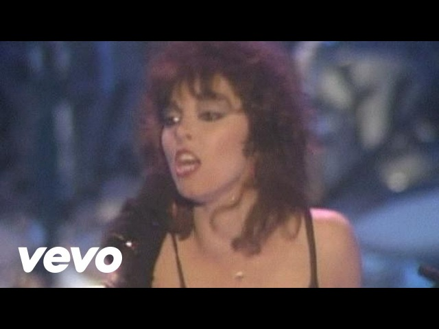 Pat Benatar Hit Me With Your Best Shot Live