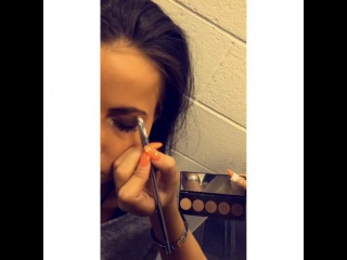 Smithers x Payno on Instagram: Lottie doing Sophia's make up backstage at the concert today  #lottietomlinson #sophiasmith #sophiam