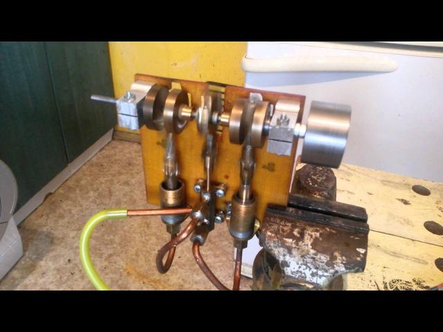 Двухцилиндровый паровой двигатель