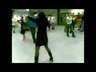 Прикол на корпоративе   Девушка не танцует, а зажигает на корпоративе