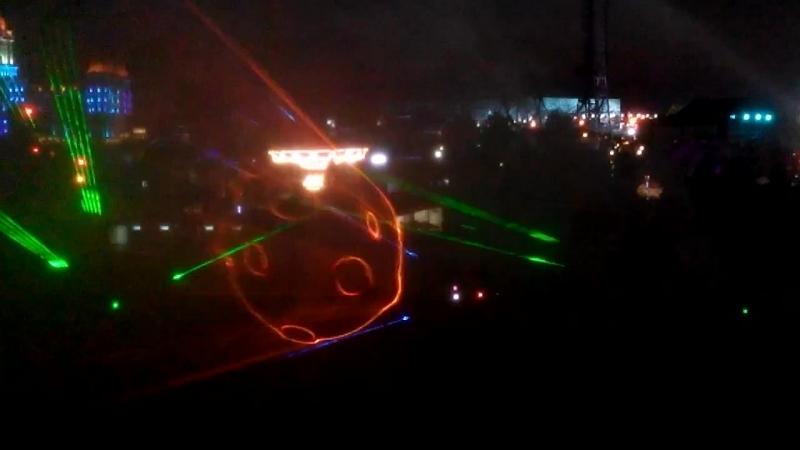 Лазерное шоу Феликс Сочи парк