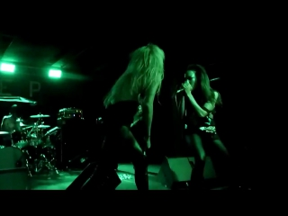 Butcher_babies_-_fucking_hostile__pantera_cover__@_backstage_live_-____ (1)