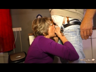 Hausfrau ficken mature german housewife gets cum on tits in hardcore sex session (1080)