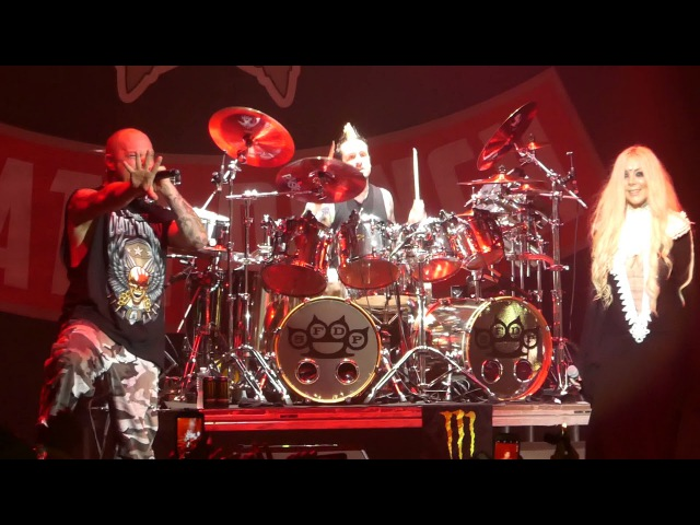 The Bleeding Five Finger Death Punch Maria Brink@Rock Allegiance Camden, NJ 10/7/17