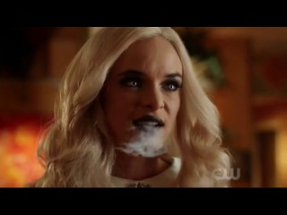 The Flash 4x05 Barry and Iris bachelorette parties