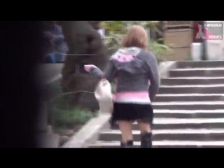 Китаянка еле добежала до туалета и чуть не обоссалась _ japanese teen voyeur spy