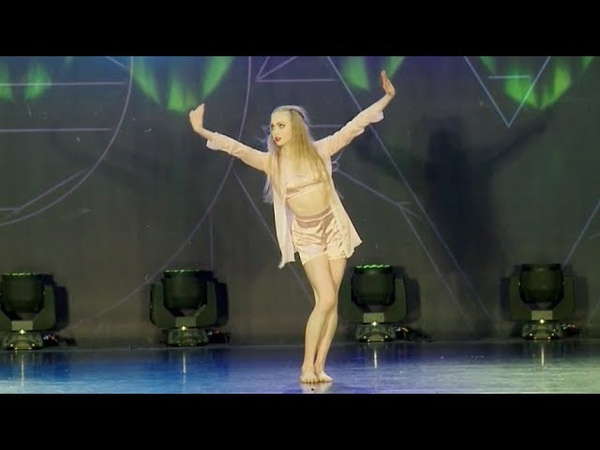 Lucy Vallely - Memory (NUVO Westminster Closing Show)