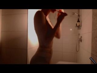 Missalice_94 - voyeur asmr style bathroom routine (720p) [amateur, teen, solo, shower, lingerie, webcam]