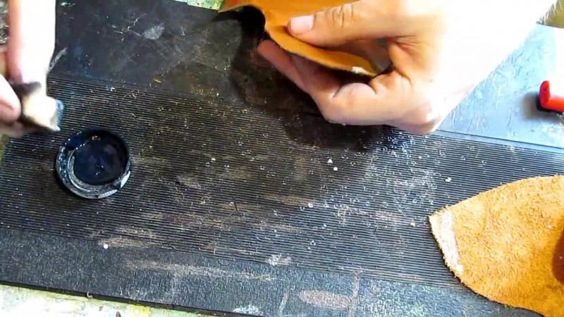 Егор Букраев Д 09. Дерби обрабатываем края кезалом. Шьем обувь своими руками.