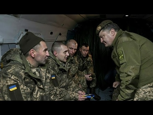 Злой солдат Порошенко прямо в лицо Почему нас кормят как свиней Это ваши стандарты НАТО 29 08 18 Примерно такой же едой я кормлю своего пса Хотя вероятно это и есть стандарты НАТО только не для солдат а для боевых собак