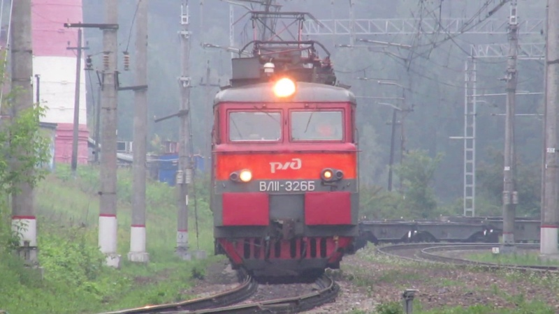 Электровоз ВЛ11-326 с грузовым поездом перегон Латышская-Нара 27.06.2019