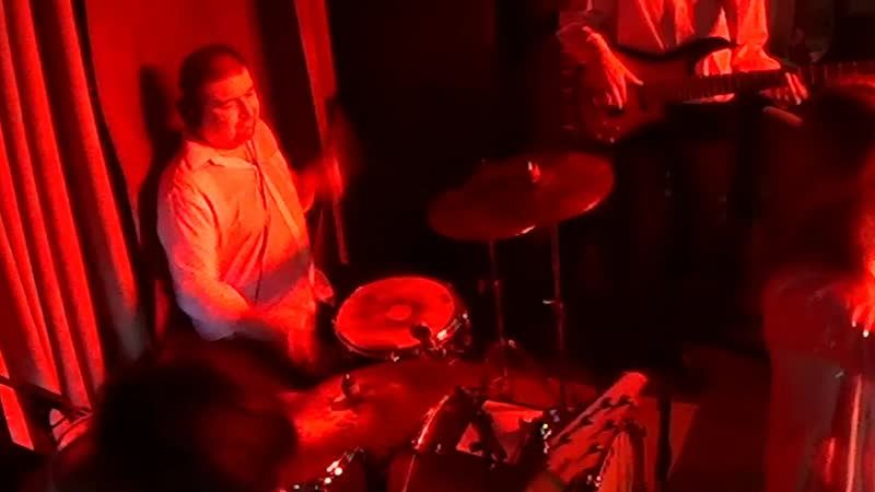 Smoky Ice Бьет бит drum solo