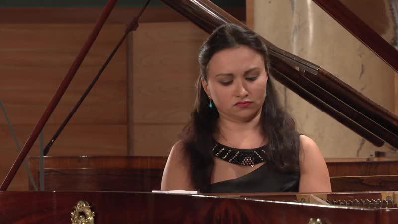 850 J. S. Bach - Prelude and Fugue in D major, BWV 850 [Das Wohltemperierte Klavier 1 N. 5] - Dinara Klinton, piano