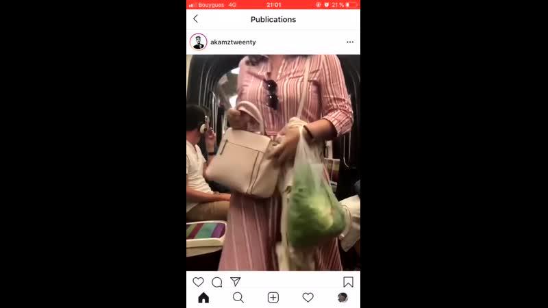 La comédie musicale de l'africain fou du métro.mp4