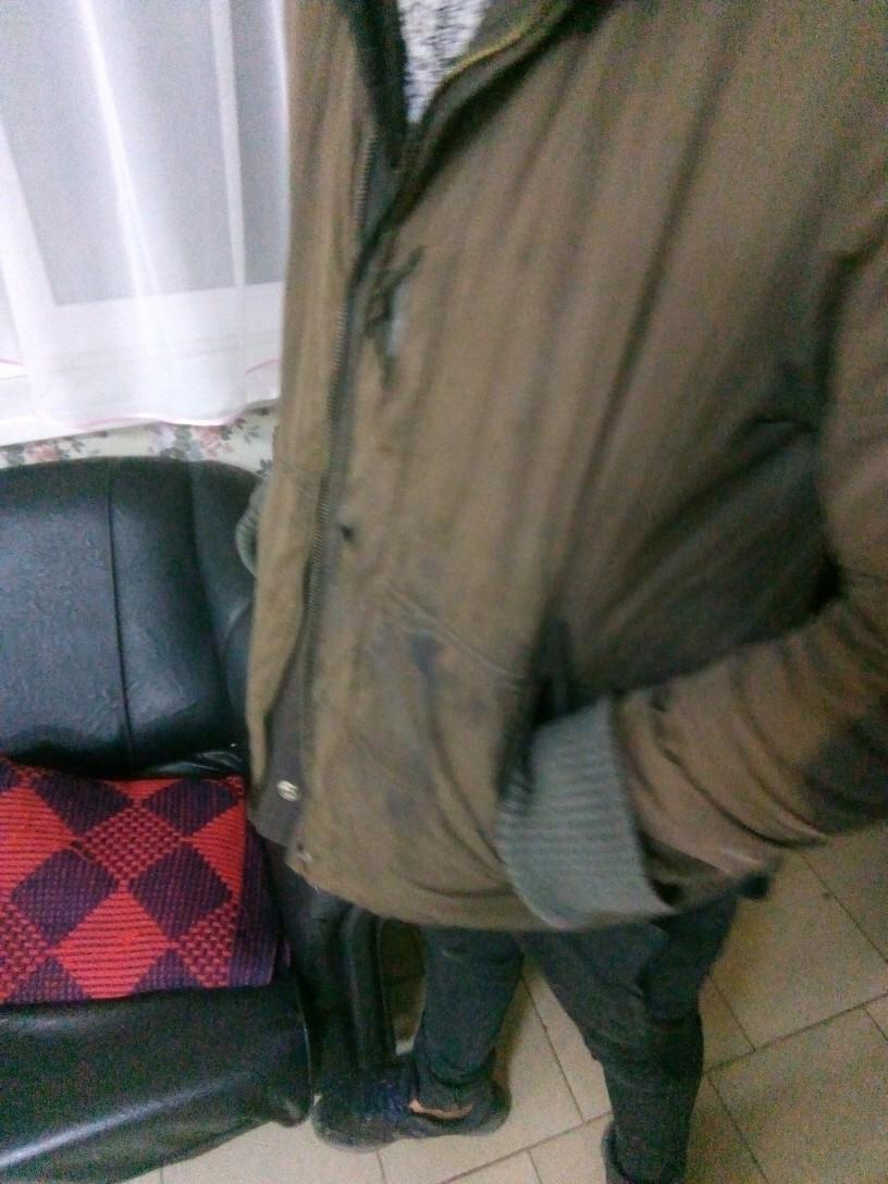 Очень ищем носибельную теплую молодежную куртку вместо этой  нашему подопечному молодому человеку холодно