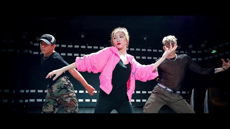 Jia x Exon X Aritz Dance 1080p