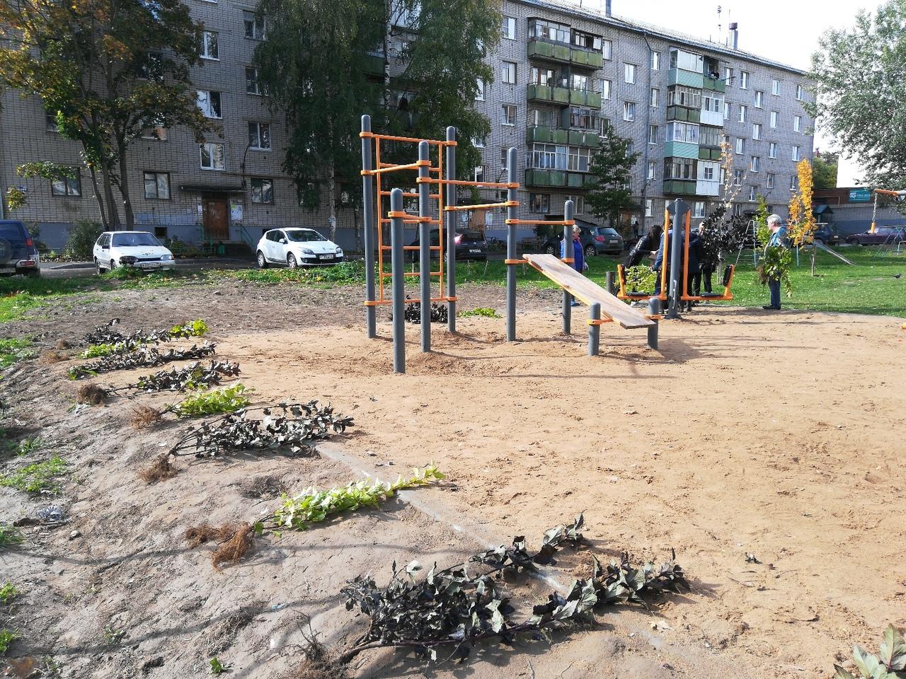 Спортивная площадка в ТОС «Гагаринский» официально открыта в Вологде